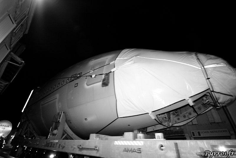 quand le géant des airs prend la route, fuselage avant (msn52)