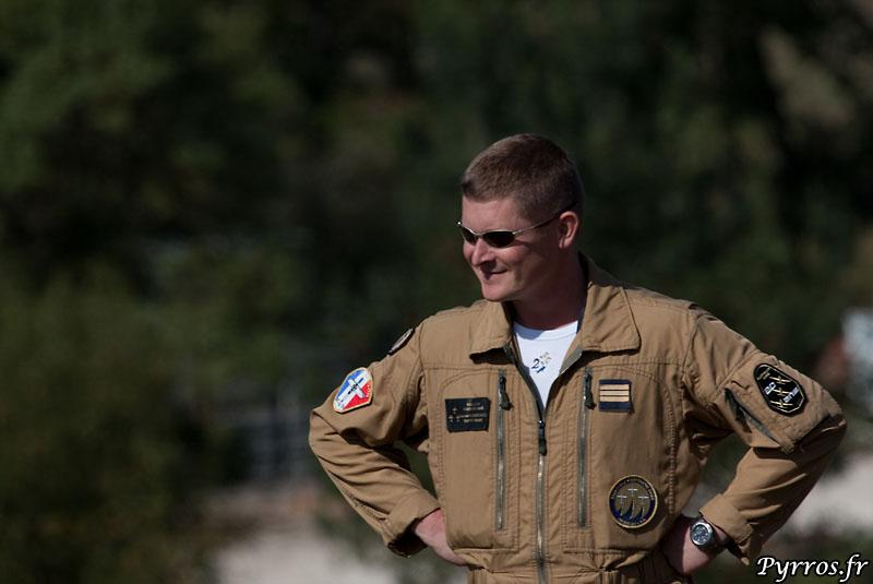 pilote de Cartouche Doré : Ev Florent Werbrouck. A Gimont il commente les évolutions de la patrouille.