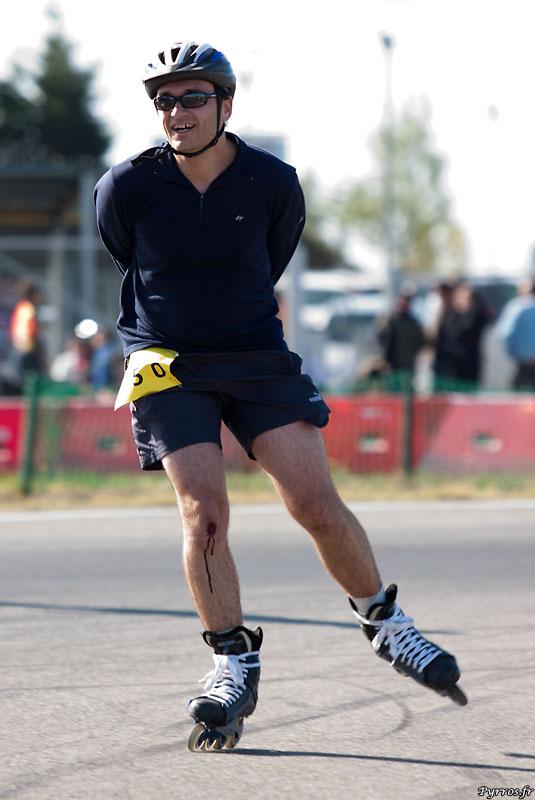le roller peut etre dangereux, mais sur une course comme le Record de l'Heure on garde le sourire