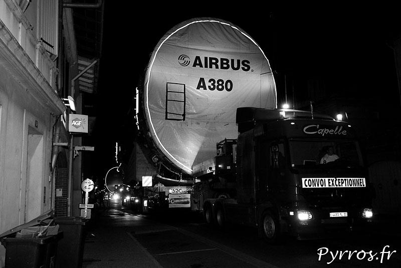 quand le géant des airs prend la route, fuselage