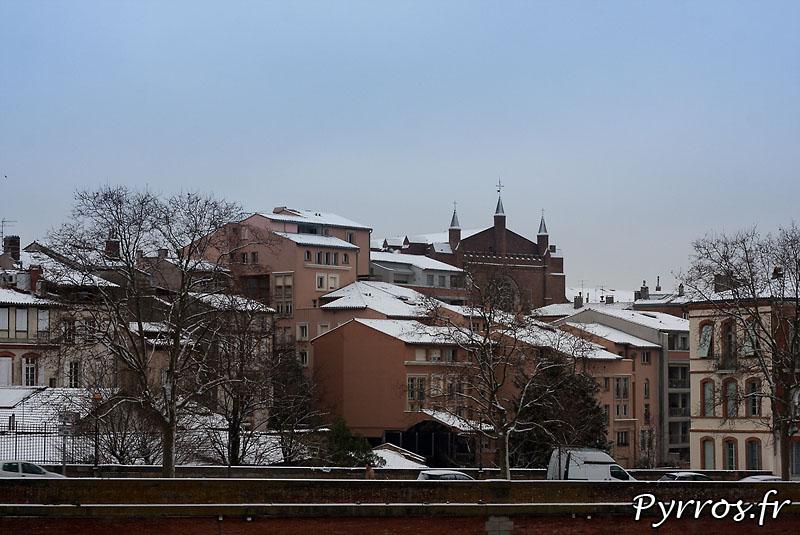 Au matin du 18 decembre 2009, la neige s'est invitée au reveil des toulousains, parfois surpris, et souvent en difficultés.