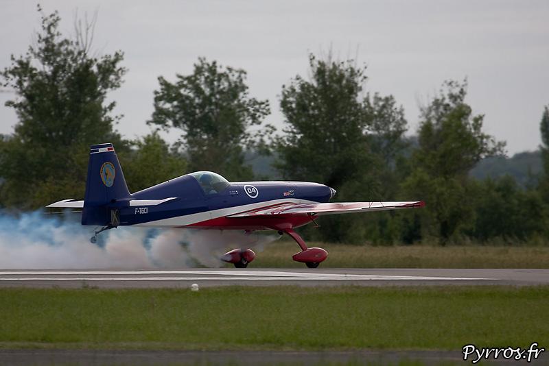 Extra 330 SC équipe de voltige aérienne de l'armée, decollage de Renaud Ecalle