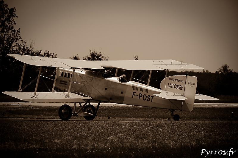 La construction du BREGUET XIV F-POST a été engagée en novembre 1992. Après 17 années de travail, l'avion a obtenu sa certification le 3 septembre 2009.