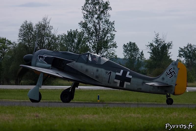Focke-Wulf Fw-190A-8/N taxi piste 30 de Muret Lherm
