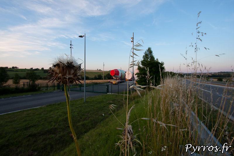 Sur l'aire de stationnement de l'Isle Jourdain (32) le convoi prépare son départ vers Cornebarrieu (31)