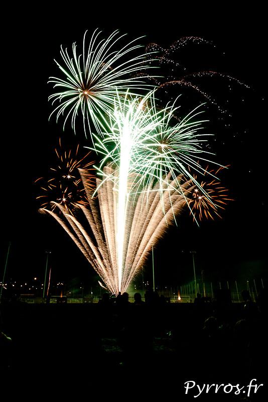 Chaque année, le feu d'artifice de Balma annonce la fin des vacances. Feu d'artifice tiré par Toulouse Artifice Creation