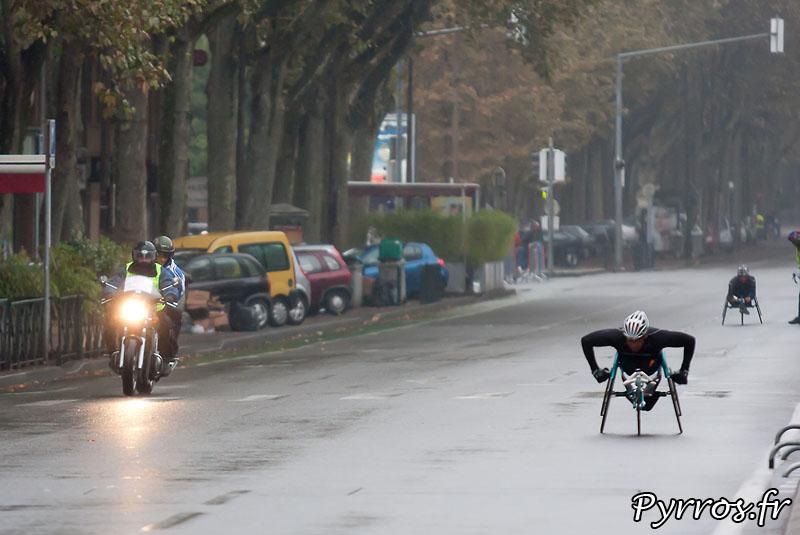 Sous la pluie d'automne, se deroule, le quatrième marathon Handisport du Grand Toulouse