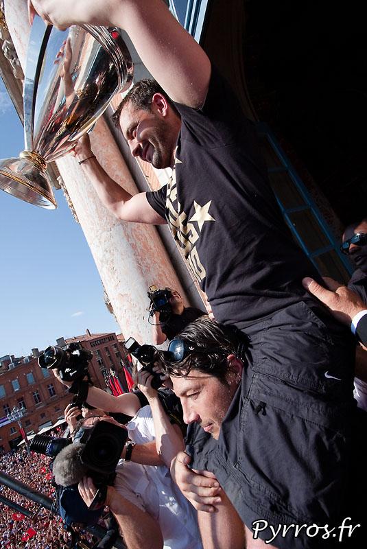 Stade Toulousain champion d'Europe, Jean-Baptiste Ellisalde est sur les épaules de Byron Kelleher