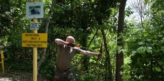 Tir sur cible 2D, située en contre bas du tireur.