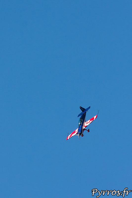 Equipe de voltige de l'armée de l'air, en piqué