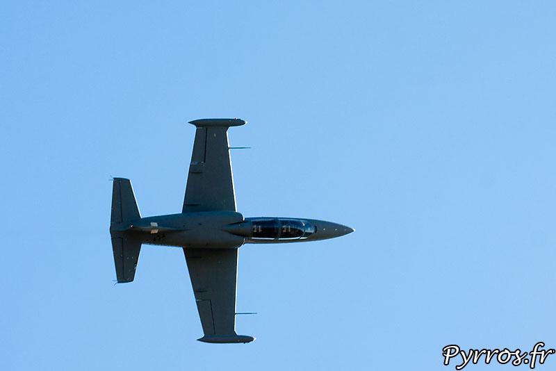 Aero L-39 Albatros, passage sur le coté