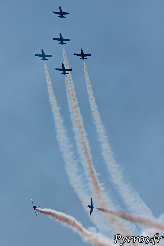 Breitling Jet Team en formation Windrider et percussion