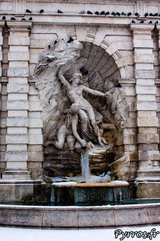 Quand l'Ariège se jette dans la Garonne, L'eau de la fontaine comme des rivières gèle