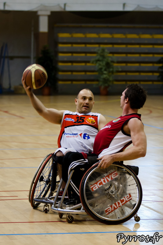 Handisport-basket Passe en retrait du toulousain
