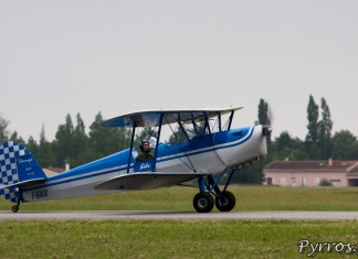 Stampe SV-4c atterrissage, Airexpo 2012