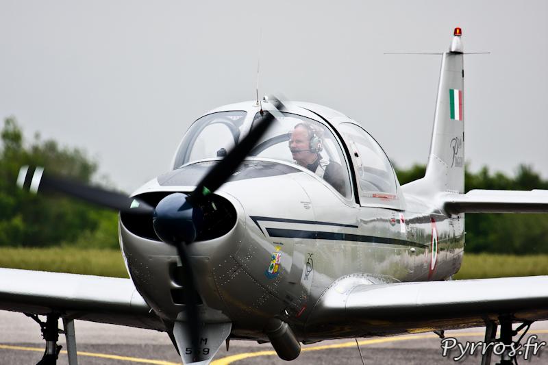 Piaggio P.149 roule jusque à son point d'arrêt, Airexpo 2012