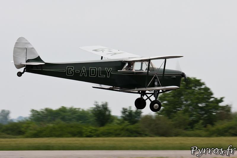 Décollage du De Havilland DH.87 Hornet Moth à Airexpo 2012