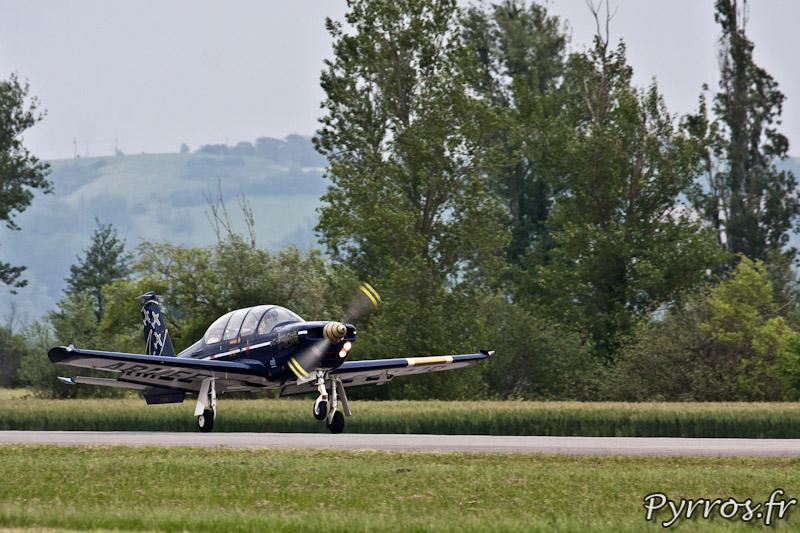 Atterrissage du n°2, Cartouche Doré - Airexpo 2012