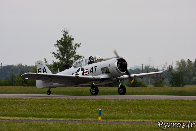 North American T-6 Texan atterrissage, Airexpo 2012