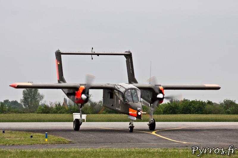 North American OV-10 Bronco au sol, Airexpo 2012