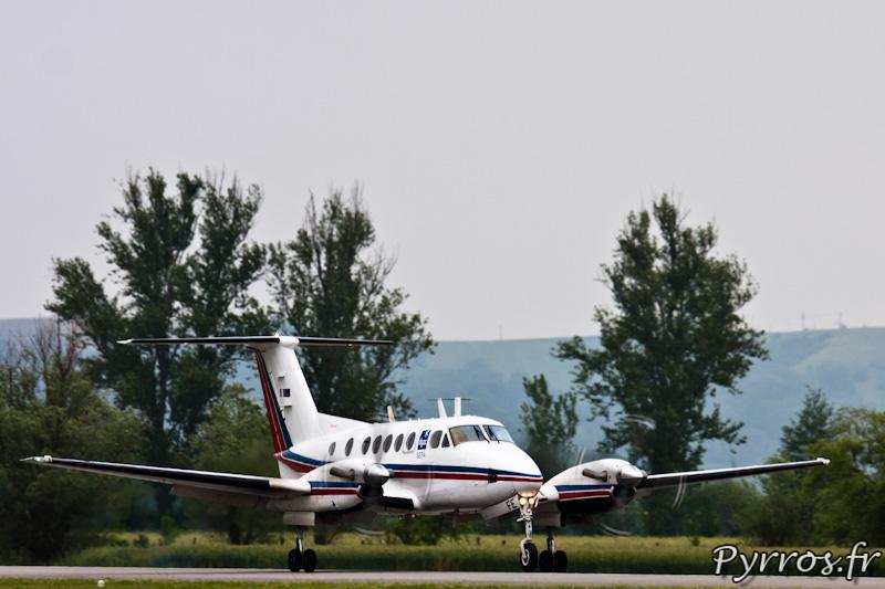 Beech B200 Super King Air atterrissage sur la piste de Muret Lherm, Airexpo 2012