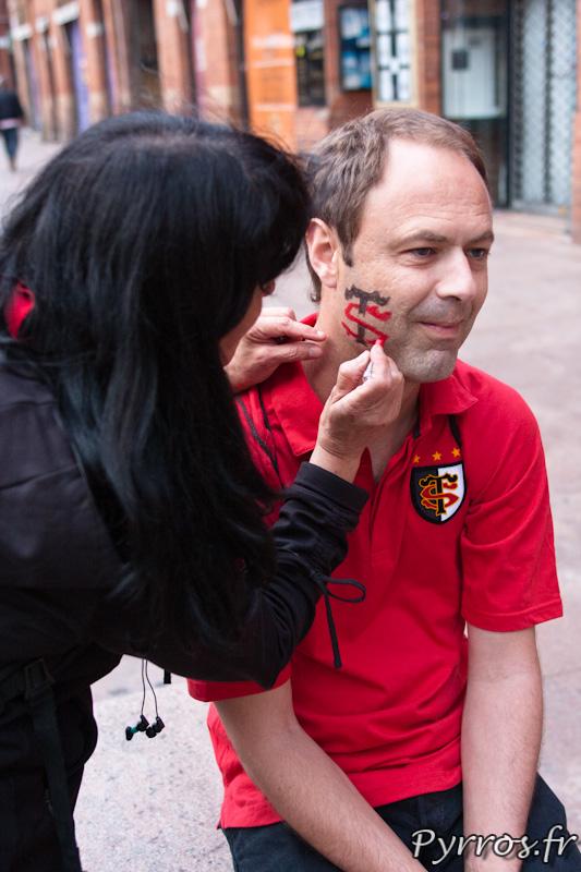 les couleurs du Stade Toulousain s'affichent partout, Roulez rose en Rouge et Noir