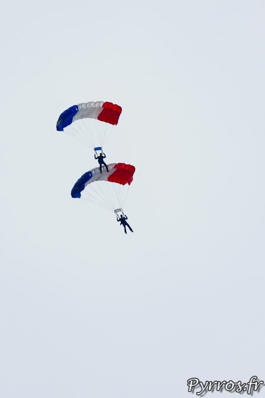 Gimont Aéro, Equipe de Parachutistes de Présentation et de Compétition de l'Armée de l'Air, voile contact à 2