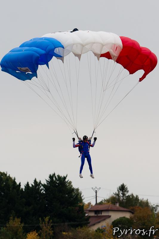 Gimont Aéro, Equipe de Parachutistes de Présentation et de Compétition de l'Armée de l'Air, atterrissage