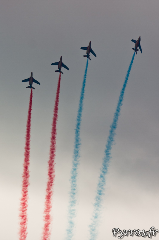 Patrouille de France, séparation et vol en colonne