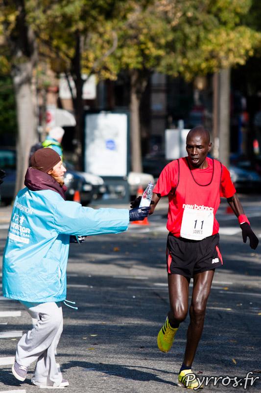 Marathon International de Toulouse Métropole, il faut être suffisamment lucide pour attraper la bouteille au vol.