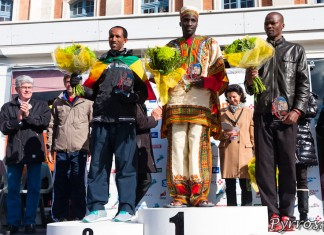 De gauche à Droite : Hailemariam ATSEBHA, Benjmain BITOK et Vincent KIPCHICHIR