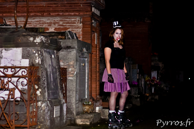 Vampire dans un cimetiere, Roulez Rose Rando'Ween