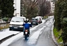 Neige à Toulouse, le 18/01/2013, deux roues sur la neige