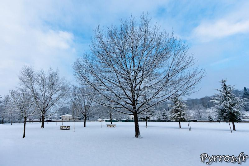 Parc du centre d'accueil de St Laurent de Neste sous la neige