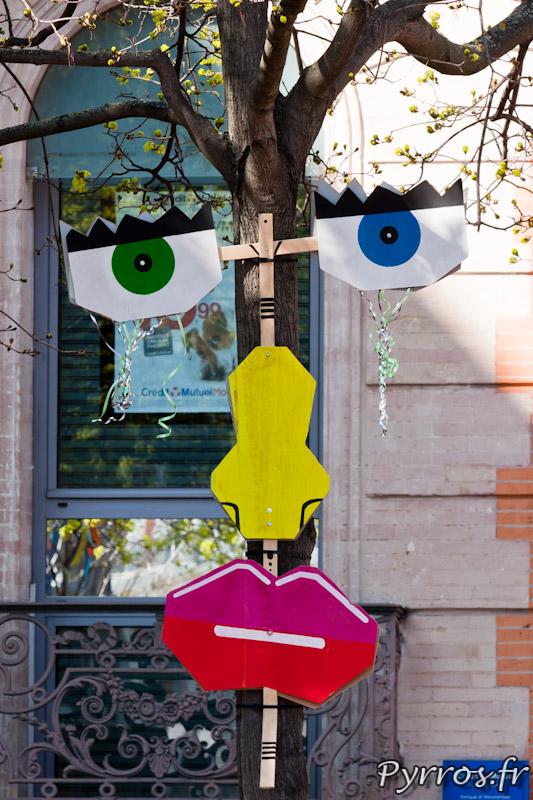 """Place d'Armenie - """"O les masques"""""""