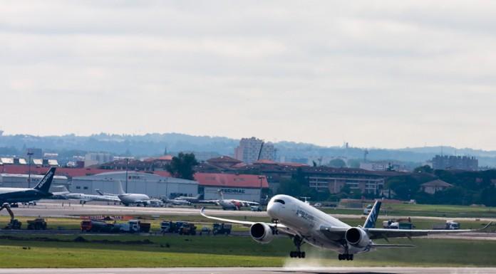 Premier décollage de l'A350 à Toulouse Blagnac