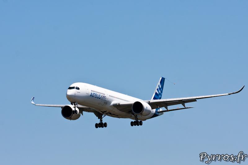 Approche finale pour l'atterrissage du premier vol de l'A350