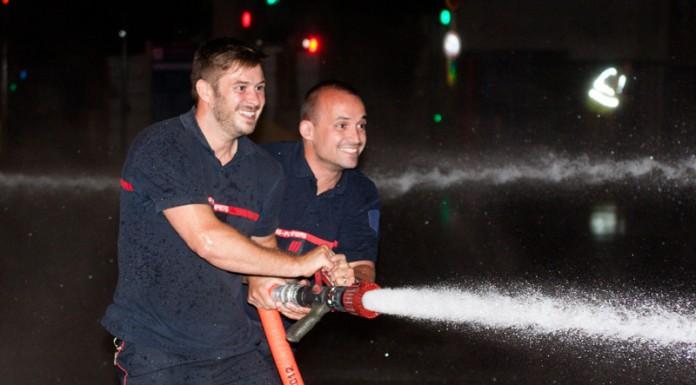 Les pompiers de Vion mettent du cœur à l'ouvrage pour arroser les patineurs, Roulez Rose organise avec l'aide des pompiers de Toulouse la rando roller pistolets à eau