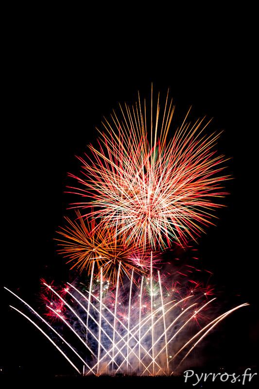 Pour clore les grandes fêtes de Balma un feu d'artifice est organisé, bouquet final