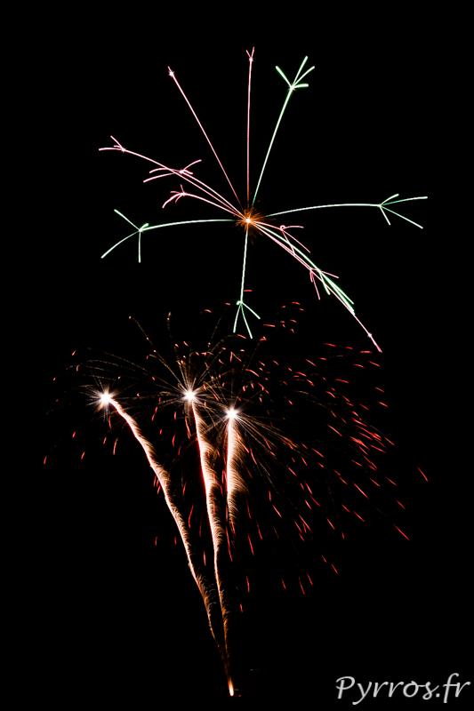 Feu d'artifice à Escalquens, lors des fêtes localesFeu d'artifice à Escalquens, lors des fêtes locales