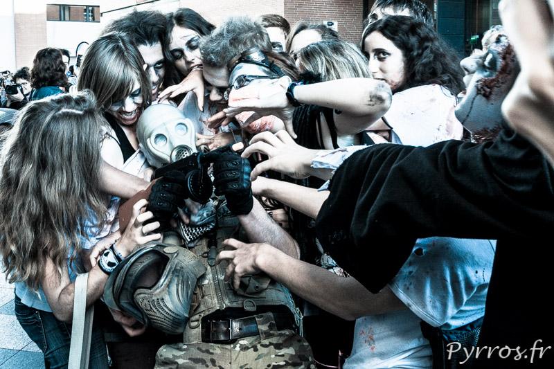 Marche des zombies 2013 à Toulouse, le soldat dévoré