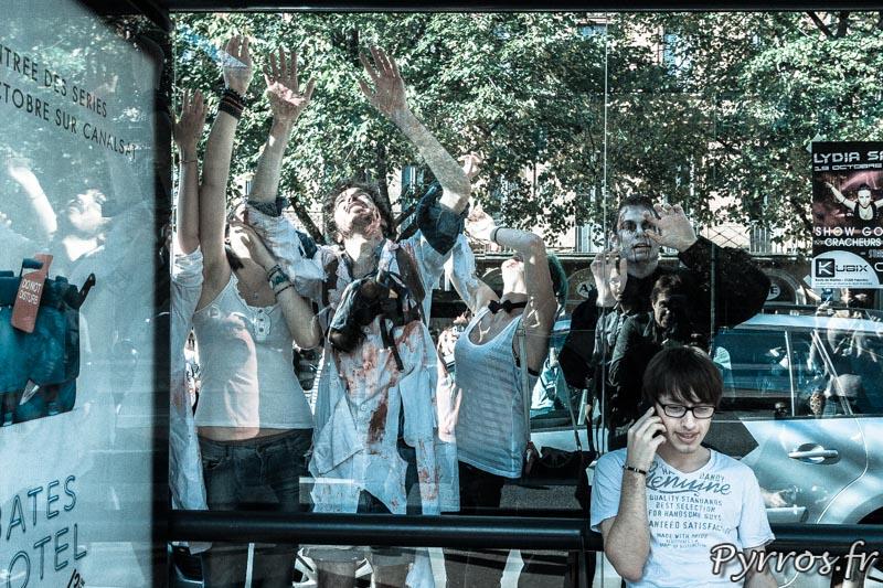Abribus à la Marche des zombies 2013 à Toulouse