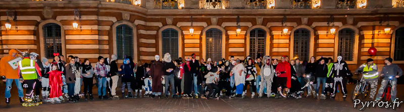 Devant le Capitole la photo de groupe de la randoween