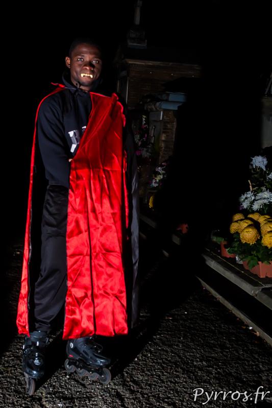 Dracula est en quête de proie fraiche à la Randoween, organisée par Roulez Rose