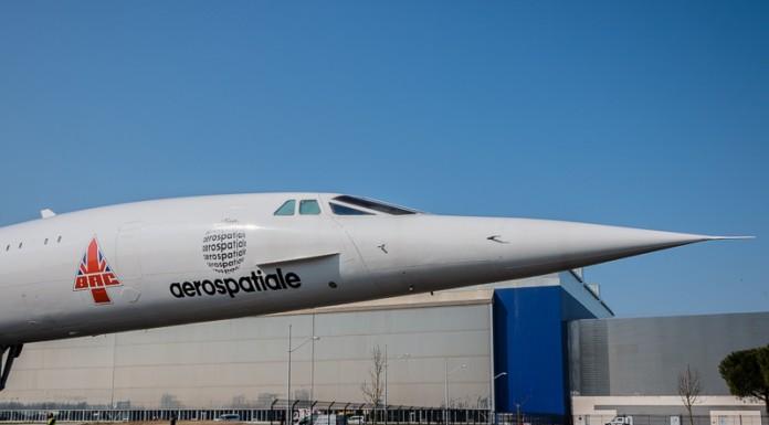 Le concorde avec le logo aérospatiale