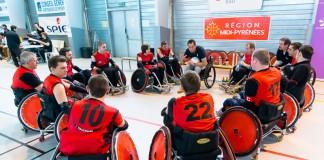 Le coach toulousain Clément TREZEUX donne ses dernières consignes