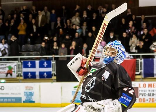 Le gardien des bélougas Niklas LEHTI (72) savoure encore un peu cette victoire