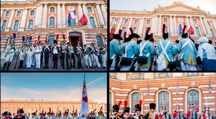 Les reconstituants en tenues du Premier Empire s'installent au pied du Capitole, pour effectuer quelques démonstrations militaires