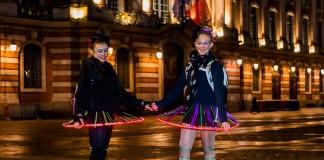 Le Carnaval de Roulez Rose, Danseuses aux jupes lumineuses