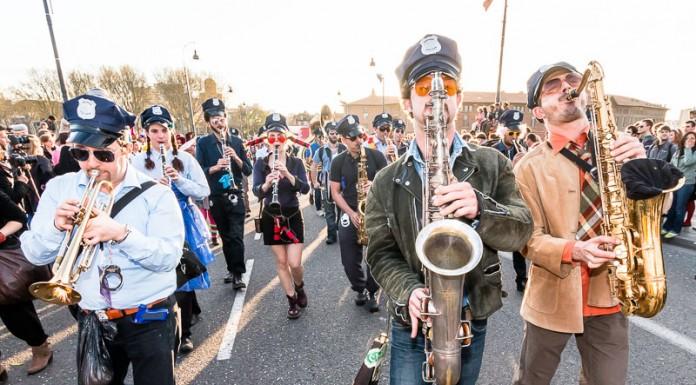 Le Carnaval est accompagné par de nombreux ensemble musicaux